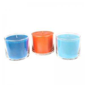 Свеча в стеклянной вазе